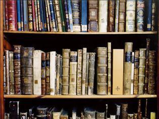 Φωτογραφία για Η καταστροφή των βιβλιοθηκών η   τύχη των αρχαιοτήτων και η μαθητική αντίσταση στα σχολεία  επι ναζιστικής κατοχής