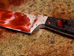 Φωτογραφία για ΣΟΚ: Τον μαχαίρωσαν στο κεφάλι και τον θώρακα