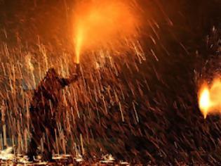 Φωτογραφία για ΕΚΑΤΟΝ ΣΑΡΑΝΤΑ ΧΙΛΙΑΔΕΣ ΡΟΥΚΕΤΕΣ ΣΤΟΝ ΒΡΟΝΤΑΔΟ