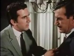 Φωτογραφία για Οι μεγαλομπακάληδες της μικροπολιτικής και των ράβδων χρυσού ενοχλήθηκαν από την προσφορά Καρατζαφέρη στους άπορους Έλληνες [video]