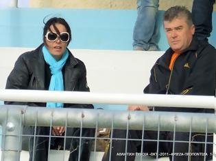 Φωτογραφία για Μια πρόεδρος ποδοσφαιρικής ομάδας και πρώην στέλεχος του ΠΑΣΟΚ με τη ΝΔ