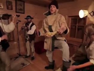 Φωτογραφία για Ο Πολωνός ράπερ που τραγουδά πιο γρήγορα και από τον Busta Rhymes!
