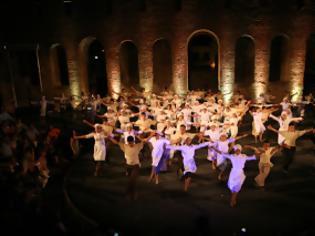 Φωτογραφία για Πάτρα: Eντυπωσίασαν τα «ΒΗΜΑΤΑ ΚΡΟΥΣΗΣ» από το Χορευτικό Τμήμα Δήμου - Δείτε φωτο
