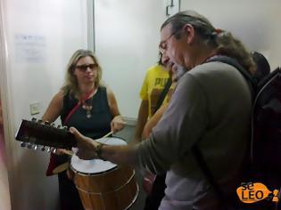 Φωτογραφία για Θεσσαλονίκη: Με κιθάρες και τραγούδια η κατάληψη στην διεύθυνση δευτεροβάθμιας εκπαίδευσης!