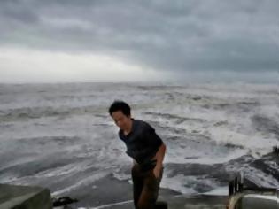 Φωτογραφία για Ο ισχυρός τυφώνας Ουσάγκι πλήττει Φιλιππίνες και Ταϊβάν