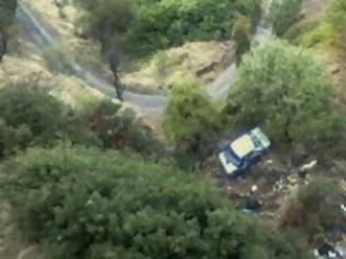 Φωτογραφία για Τραγωδία στην Τήλο: Αυτοκίνητο έπεσε σε γκρεμό σκοτώνοντας δύο επιβάτες