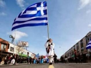Φωτογραφία για Οι Έλληνες κάνουν παρελάσεις σε Μελβούρνη, Νέα Υόρκη, Μόντρεαλ, Τορόντο και οι προοδευτικοί θέλουν να τις καταργήσουν στην Ελλάδα!