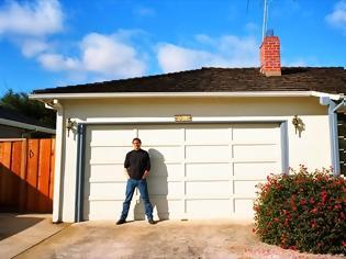 Φωτογραφία για Και επίσημα πλέον ιστορικό μνημείο το σπίτι του Steve Jobs