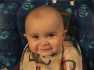 Φωτογραφία για Το μωρό που βουρκώνει και τρελαίνει τα «κλικ» στο youtube!