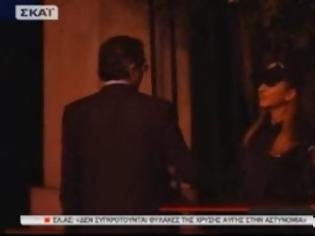 Φωτογραφία για Όταν ο Σαμαράς πιάνει ψιλή κουβέντα με ξανθιά αστυνομικό! [video]