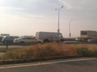 Φωτογραφία για Σταματημένοι στην Μουδανίων δεκάδες οδηγοί - Ουρά χιλιομέτρων λόγω έργων