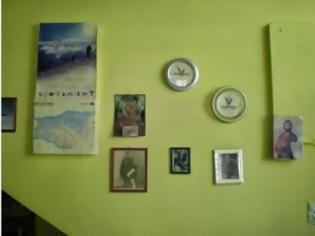 Φωτογραφία για Ένα καφενείο… γεμάτο ρολόγια σε χωριό του Ψηλορείτη