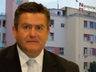 Φωτογραφία για Η ΕΛ.ΑΣ έχει δεμένο τον πρόεδρο του Νοσοκομείου με βίντεο - Χαρακτήριζε τα λεφτά της μίζας εισιτήρια - Κατέρρευσε την ώρα της σύλληψης