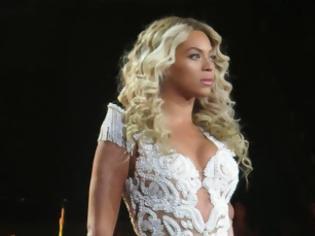 Φωτογραφία για Δεν θα πιστέψεις πόσα χρήματα έβγαλε η Beyonce από τις πωλήσεις αρωμάτων της! Κι έρχεται κι άλλο...
