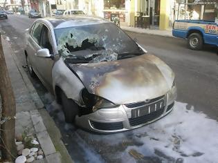 Φωτογραφία για Εμπρησμός σε ΙΧ αυτοκίνητο στην Χαριλάου Τρικούπη [Photos]
