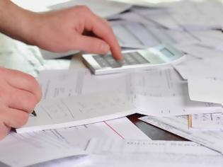 Φωτογραφία για Η παγίδα των λιγότερων αποδείξεων - Δεν διευκολύνουν τους φορολογούμενους, περιορίζουν τις δαπάνες