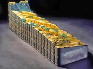 Φωτογραφία για Γλυπτό από μια 24τομη εγκυκλοπαίδεια Britannica! [video]