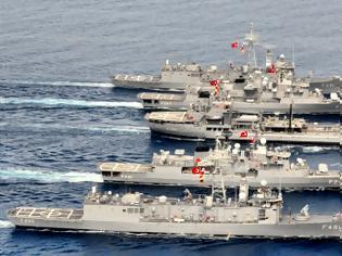 Φωτογραφία για Σε συναγερμό το ΠΝ: Τουρκικός στόλος κατευθύνεται στο Αιγαίο – Ανησυχία μετά το επεισόδιο στη Λαδοξέρα