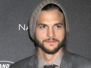 Φωτογραφία για Νέα σχέση για τον Ashton Kutcher
