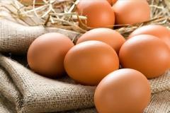 Εχετε δει αυγό με... ουρά;;; Κι όμως υπάρχει! (φωτο)