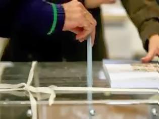 Φωτογραφία για Οι εκλογές πλησιάζουν... Γέμισαν οι αίθουσες με πολιτικούς ιθύνοντες