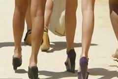 Πώς να ντύνεστε για να δείχνετε ψηλότερη