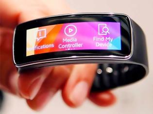 Φωτογραφία για Gear Fit : Το έξυπνο βραχιόλι της Samsung