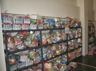Φωτογραφία για Διανομή τροφίμων από το Κοινωνικό Παντοπωλείο της Περιφέρειας Κρήτης