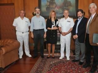 Φωτογραφία για Συνάντηση Αρχηγού ΓΕΝ με το Προεδρείο της Ένωσης Πολιτικών Υπαλλήλων ΥΠΕΘΑ