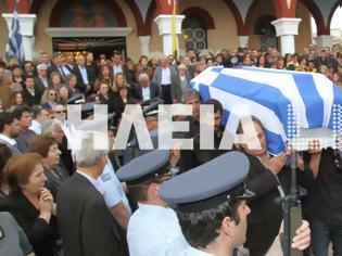 Φωτογραφία για Ανδραβίδα: Χιλιάδες πολίτες αποχαιρέτισαν τον ήρωα αστυνομικό Βασίλη Μαρτζάκλη