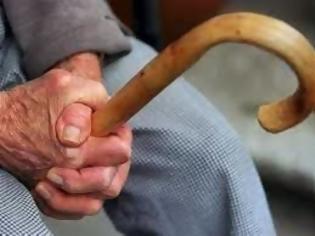 Φωτογραφία για Διαρρήκτες μπήκαν στο σπίτι 89χρονου, τον χτύπησαν στο πρόσωπο και του πήραν τα χρήματα
