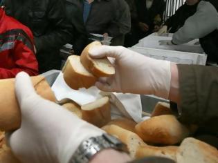 Φωτογραφία για Πάτρα: Επιταγή για τα συσσίτια του Δήμου από κατάστημα τροφίμων