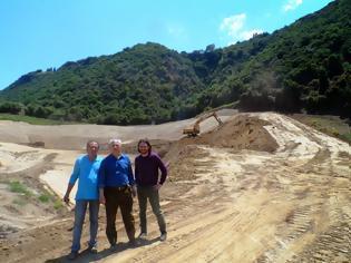 Φωτογραφία για Παράλογες χωροθετήσεις-μεγάλοι κίνδυνοι για τα νερά - Η επίσκεψη υποψηφίων της Οικ. Δυτ. Ελλάδας στον ΧΥΤΑ Παπανικολού