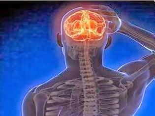 Φωτογραφία για Βίντεο ΣΟΚ: Έτσι είναι όταν περνάς εγκεφαλικό – Γυναίκα καταγράφει ένα μίνι ισχαιμικό επεισόδιο με το κινητό της [video]