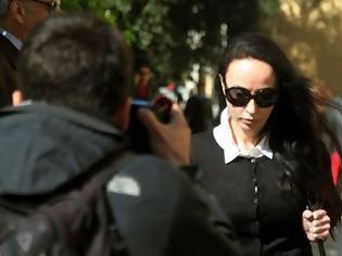 Φωτογραφία για Κατ' οίκον περιορισμό προτείνουν οι δικηγόροι της Σταμάτη