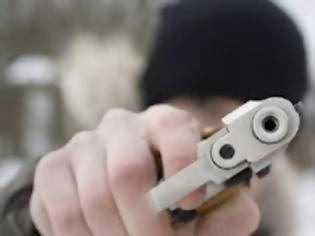 Φωτογραφία για Ο ληστής πυροβόλησε έξι φορές για να αρπάξει μία τσάντα