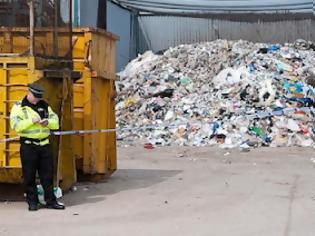 Φωτογραφία για Σοκαρισμένη η τοπική κοινωνία στη Μεγάλη Βρετανία - Βρέθηκε νεκρό μωρό 6 μηνών σε κάδο ανακύκλωσης