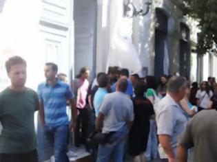 Φωτογραφία για Πάτρα: Στον αέρα οι εθνικές εκλογές - Δεν παραλαμβάνουν οι Δημοτικοί υπάλληλοι το υλικό