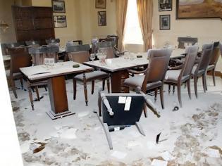 Φωτογραφία για Κουκουλοφόροι προκάλεσαν ζημιές στο πανεπιστήμιο Μακεδονίας