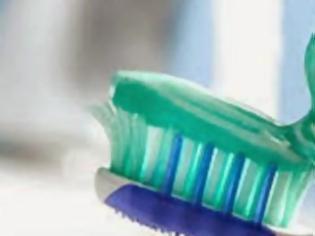 Φωτογραφία για Εντοπίστηκαν σε γνωστή οδοντόκρεμα καρκινογόνες ουσίες