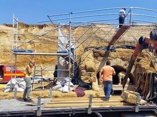 Φωτογραφία για Φρούριο η Αμφίπολη. Αυξάνεται η δύναμη φύλαξης της ανασκαφής