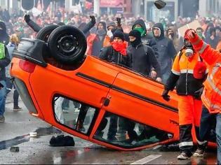 Φωτογραφία για Βρυξέλλες: Πρωτοφανή επεισόδια με τραυματίες