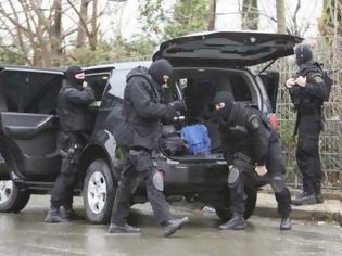 Φωτογραφία για Κινηματογραφική σύλληψη ισοβίτη: Γιγάντιαια επιχείρηση των ράμπο της ΟΕΑ
