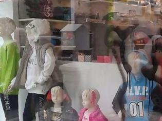 Φωτογραφία για Υλικές καταστροφές σε καταστήματα στη Λαμία! [photos]