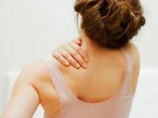 Φωτογραφία για 8 κακές συνήθειες που δεν φαντάζεσαι ότι σου προκαλούν πόνο στην πλάτη