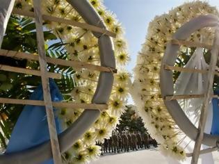 Φωτογραφία για Ράγισαν καρδιές στην κηδεία του Βασίλη Καπετανάκη...