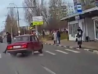 Φωτογραφία για Ο χάρος βγήκε παγανιά... Δείτε έναν επικίνδυνο οδηγό, που είναι έτοιμος να σκοτώσει κόσμο [video]