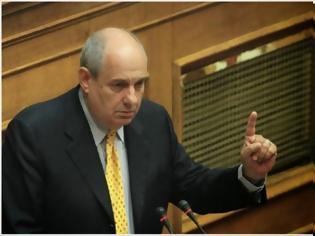 Φωτογραφία για Τέρενς Κουίκ: Το ότι δεν θα «ψηφίσουμε νέα μέτρα» είναι μία λέξη «απάτη»