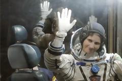 Η πρώτη Ιταλίδα αστροναύτης ταξίδεψε στο Διάστημα με μισό κιλό χαβιάρι και μία μηχανή Espresso