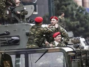 Φωτογραφία για Ο τέως βασιλιάς παρακολούθησε από το μπαλκόνι του την παρέλαση! [photos]